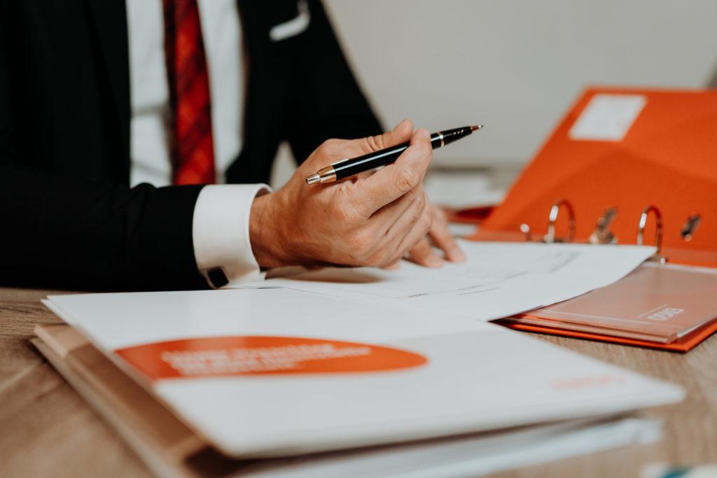 Eine individuelle Rechtsschutzversicherung ist essentiell für alle Berufsgruppen.